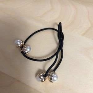 3FOR$15 Four Pearls Hair Tie
